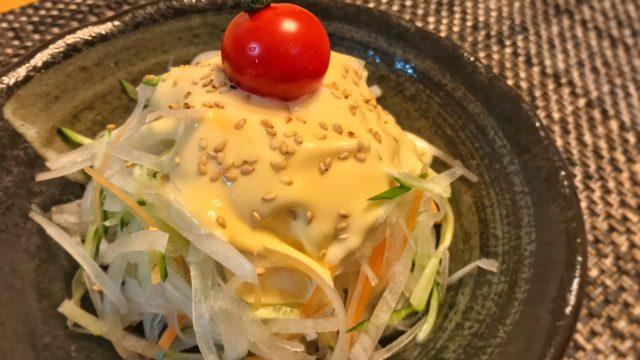 びっくりドンキーの大根サラダ